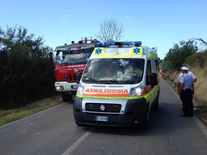 Roma, donna muore travolta da un cancello di un cantiere mentre passeggia
