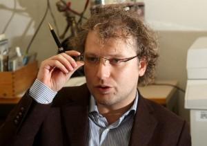 Luca-Lotti-inaugura-nuova-sede-Pd-a-Catanzaro-e-dice-che-il-partito-è-vivo