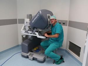 Meyer-di-Firenze-bambino-con-malformazione-operato-con-super-robot