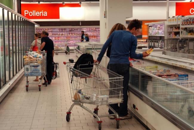 Istat vendite al dettaglio ad agosto in crescita, aumento anche per alimentari
