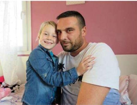 Ha-una-figlia-malata-di-tumore-i-colleghi-gli-donano-350-giorni-di-ferie