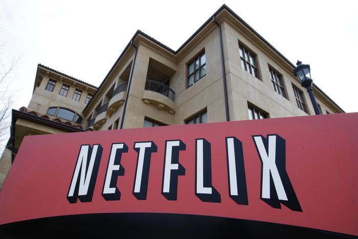 Netflix-sbarca-in-Italia-ed-è-già-scontro-con-Sky-e-Mediaset