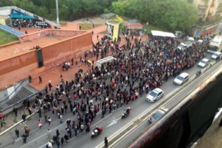 Roma-metro-guasto-linea-B-evacuati-i-treni-la-rabbia-dei-passeggeri