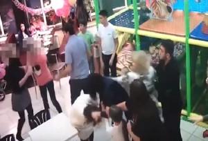 Russia-festa-di-compleanno-di-un-bambino-termina-in-rissa-tra-mamme-video