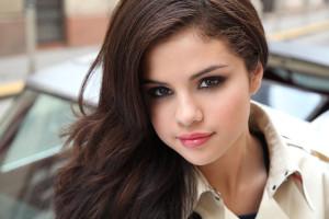 Selena-Gomez-rivela-ho-il-lupus-curata-con-chemioterapia