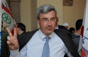 Treviglio-sindaco-Pezzoni-confessa-non-ho-la-laurea-e-si-dimette