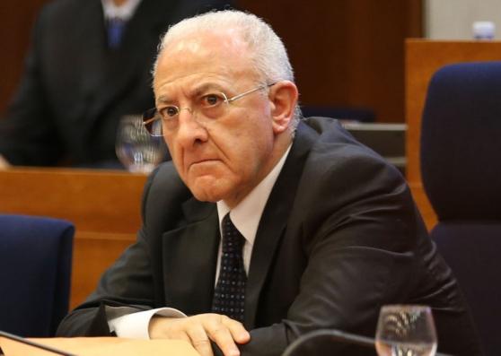 Campania-occupata-dal-M5S-aula-consiglio-regionale-chieste-dimissioni-di-De-Luca