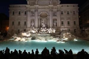 Fontana-di-Trevi-dopo-17-mesi-di-restauro-torna-a-sgorgare-l-acqua
