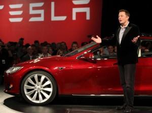 Tesla-cerca-nuovi-ingegneri-via-Twitter-per-progetto-Autopilot