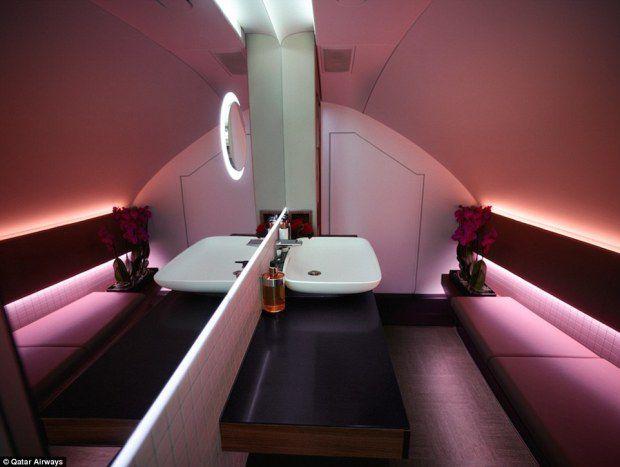 Zurigo, si rompe l'anca l'ex emiro del Qatar nella notte atterrano 9 mega jet