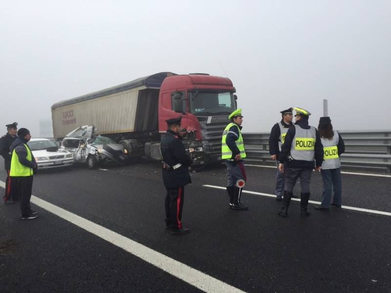 Autostrada-A14-maxi-tamponamento-a-Ravenna-morto-un-ventenne