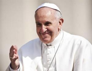 Giubileo-Vittorio-da-Lugo-a-Roma-con-una-apecar-per-salutare-il-Papa