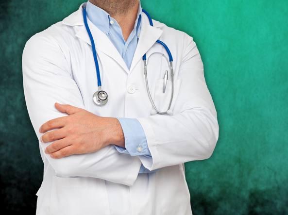 E' aspra la polemica tra infermieri e medici sul ruolo in ambulanza e in ospedale