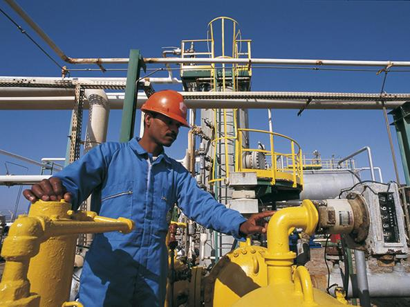 Sindacati, Eni vuole vendere la chimica sciopero il prossimo 20 gennaio
