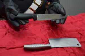 Torino-arrestato-cuoco-cinese-girava-in-metro-con-una-mannaia-di-34-cm
