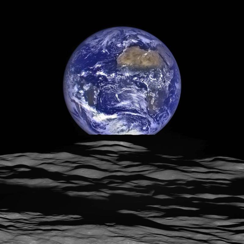 Nasa-ecco-le-spettacolari-immagini-della-Terra-vista-dalla-luna