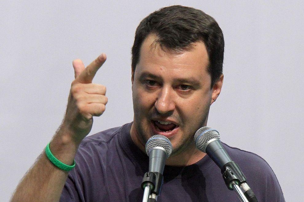 Matteo-Salvini-contro-le-decisioni-di-Renzi-su-Isis-è-un-vigliacco
