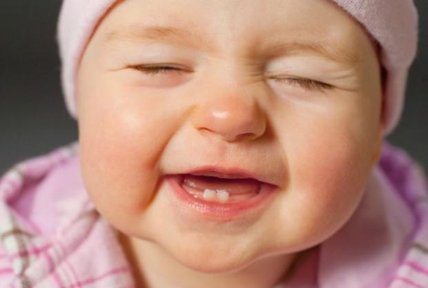 Perugia: bambina nasce già con due denti e operata dopo il parto