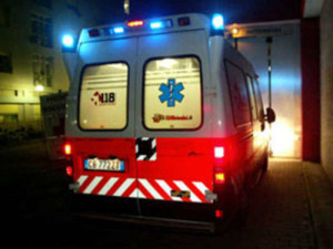 Bari-terribile-incidente-in-centro-tra-un-auto-e-un-ambulanza-morta-una-donna-e-ferite-sei-persone