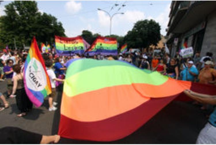 Unioni-Civili-piazze-arcobaleno-nel-cuore-di-tante-città-italiane