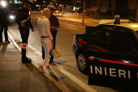 Ricatto-a-luci-rosse-prostituta-arrestata-nel-reggiano-per-minacce-di-morte