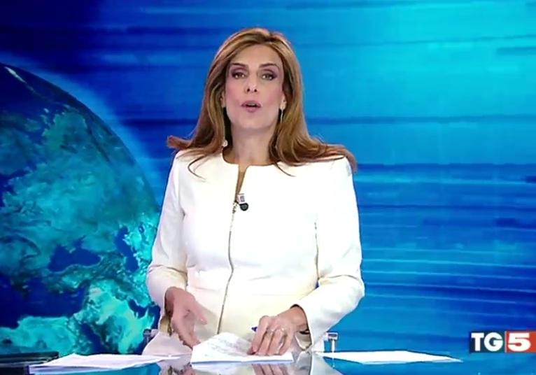 Cristina Bianchino giornalista di Tg5 si sente male in diretta TV, Mimun rassicura