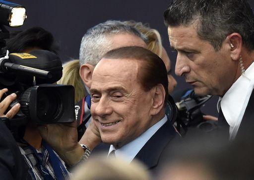 Berlusconi è molto indeciso se vendere il Milan alla cordata cinese