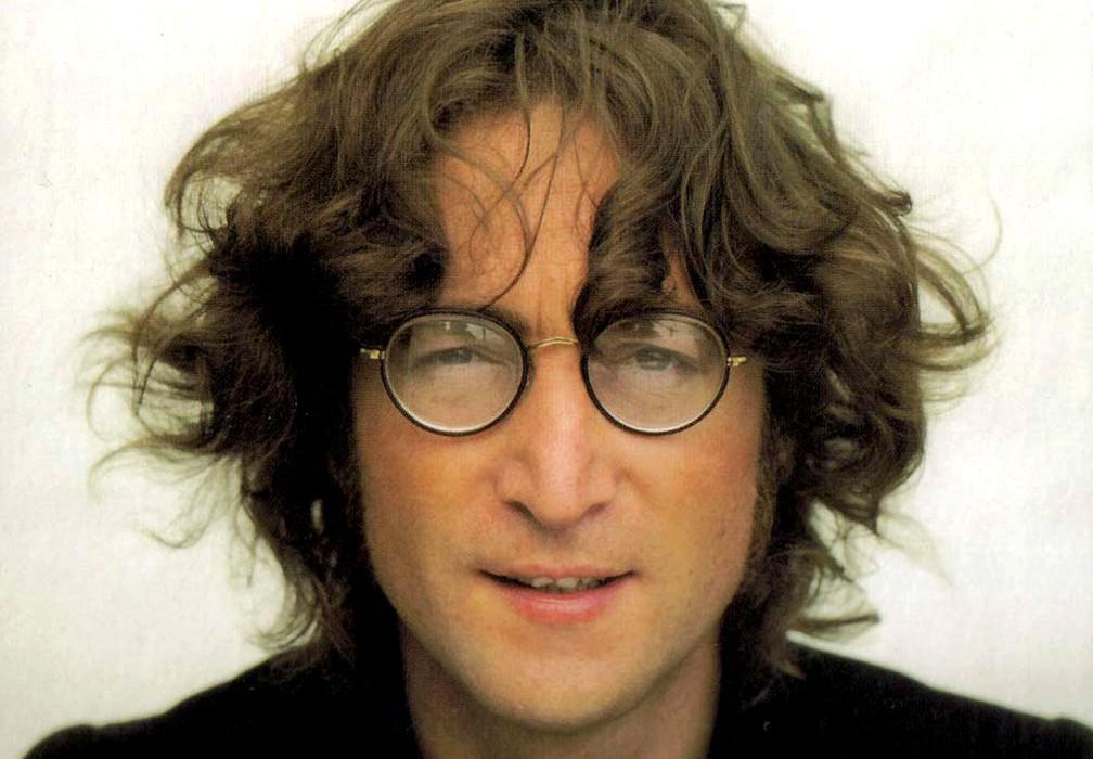 Battuta all'asta per 35 mila dollari una ciocca di capelli di John Lennon