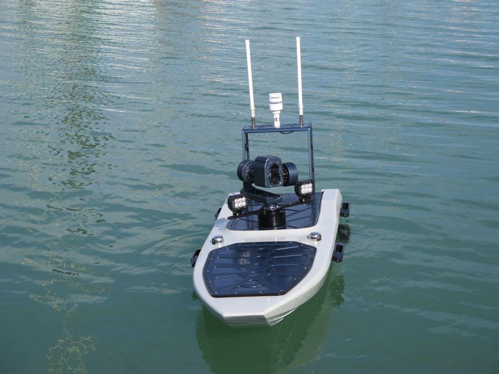 Lago di Garda, contro l'inquinamento saranno utilizzati i droni acquatici