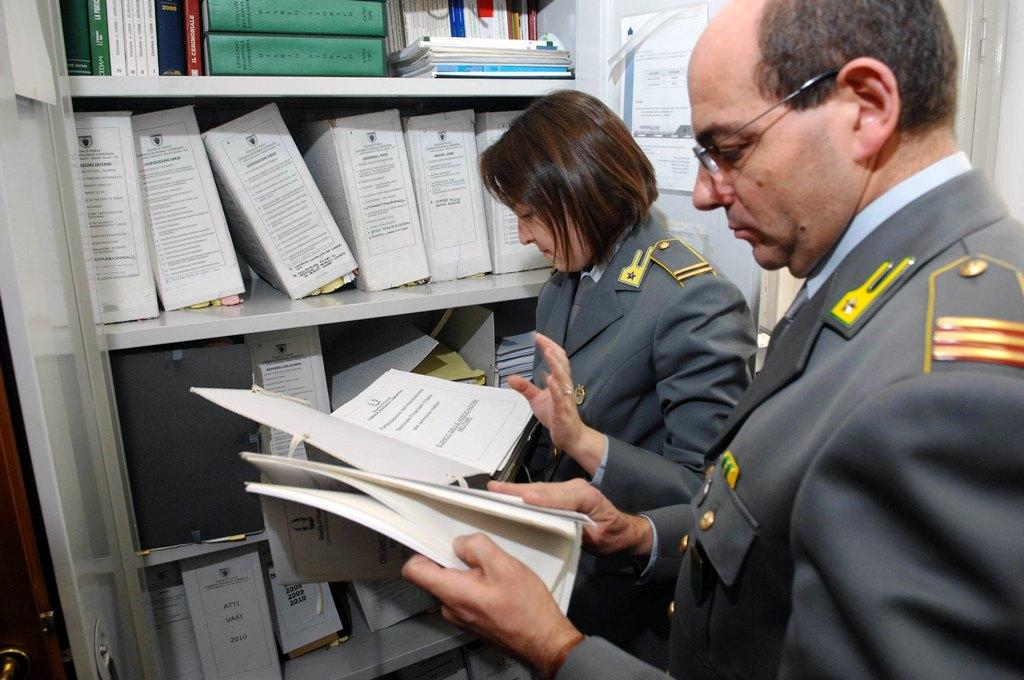 Rossano, scoperta truffa da 500mila euro a Inps, 176 persone denunciate