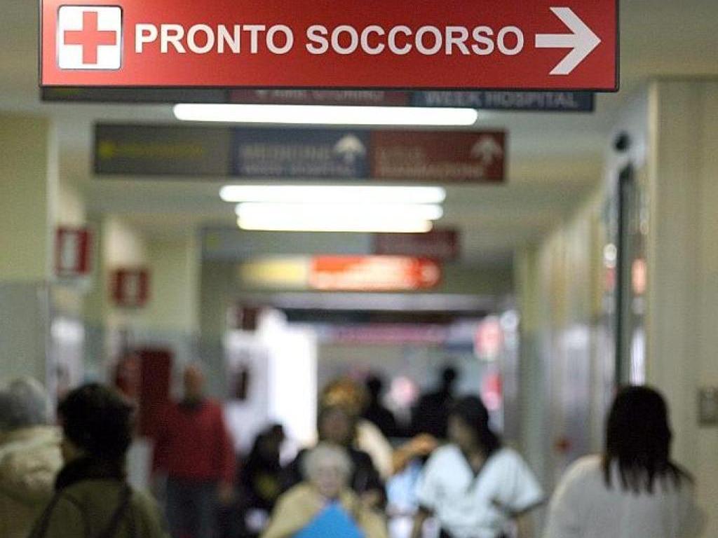 Taranto, bambino in gravissime condizioni viene trasferito da un ospedale ad un altro, i genitori spaccano tutto