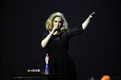 Adele contro Donald Trump non devi usare le mie canzoni