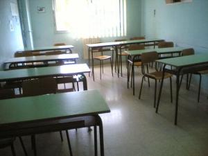 Roccaraso choc studente si dondola sulla sedia, cade e muore in aula
