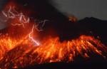 Giappone-violenta-eruzione-del-vulcano-Sakurajima-paura-per-una-centrale-nucleare