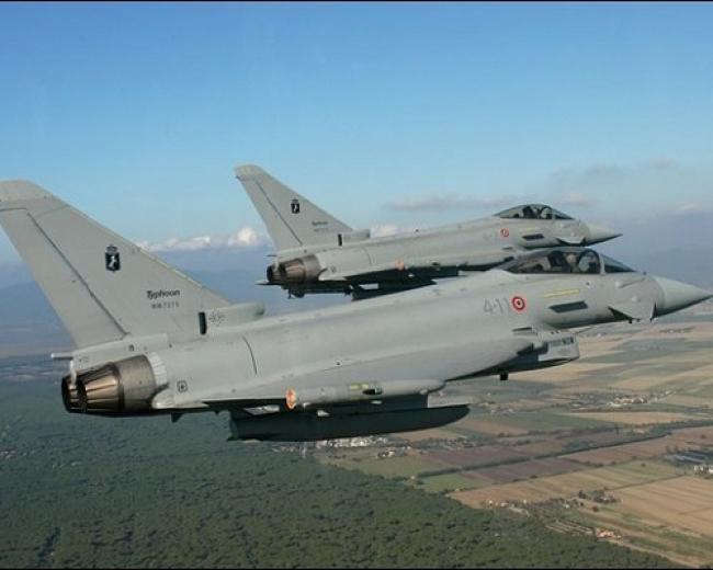 Intercettato-da-due-caccia-italiani-un-aereo-che-volava-senza-autorizzazione
