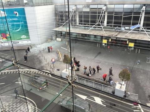 Attentato Isis Bruxelles oggi ultime notizie su esplosioni aeroporto e metro, 23 i morti