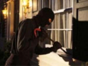Bari-donna-narcotizzata-e-derubata-in-un-appartamento-da-una-banda-di-ladri