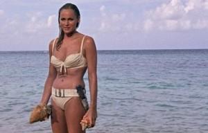 Ursula-Andress-compie-80-anni-è-stata-la-prima-bond-girl