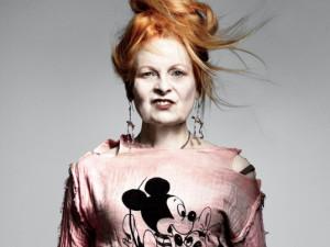 Vivienne-Westwood-incidente-sexy-modella-in-passerella-perde-vestito