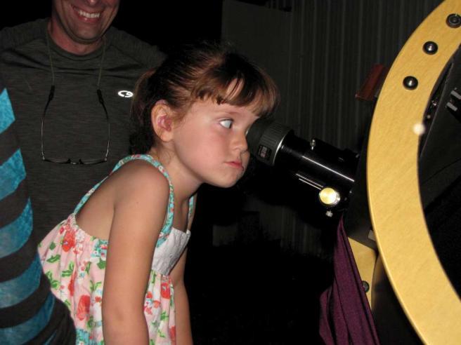 Papa-Francesco-incontra-la-bambina-di-5-anni-che-perderà-la-vista