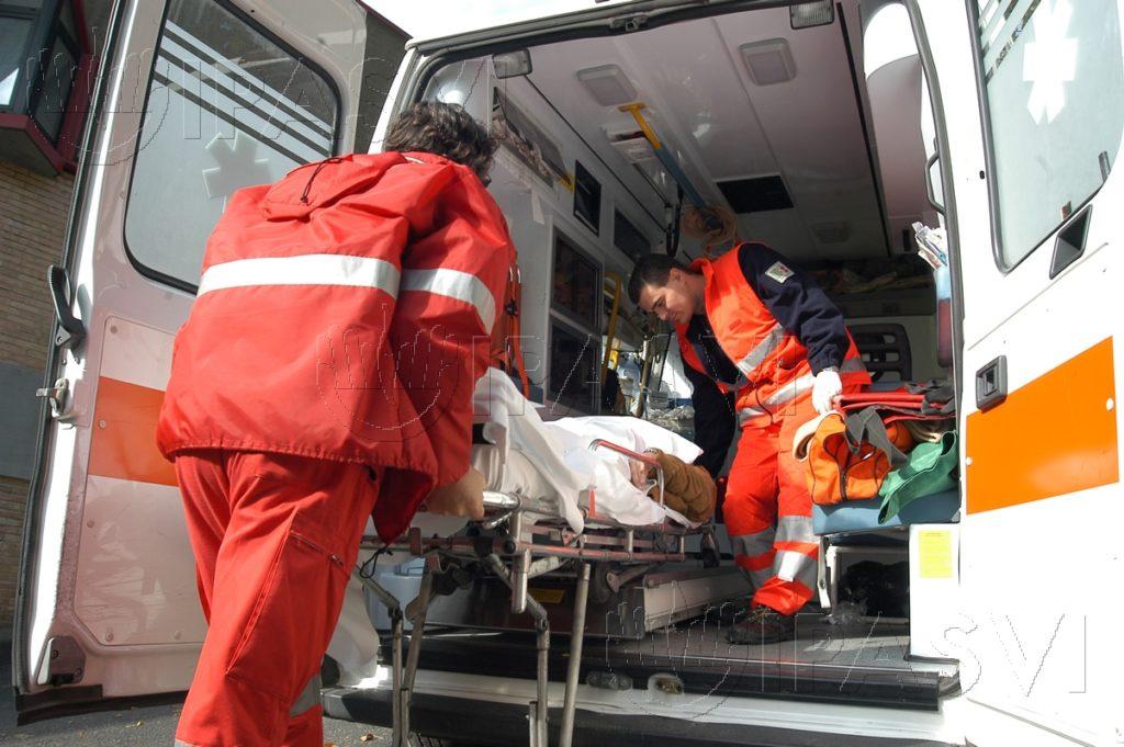 Strada Provinciale 238 terribile scontro frontale, quattro feriti gravi tra cui una bambina in codice rosso