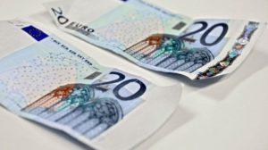Bari e provincia attenzione in circolazione 20 euro false, alcuni consigli per riconoscerle
