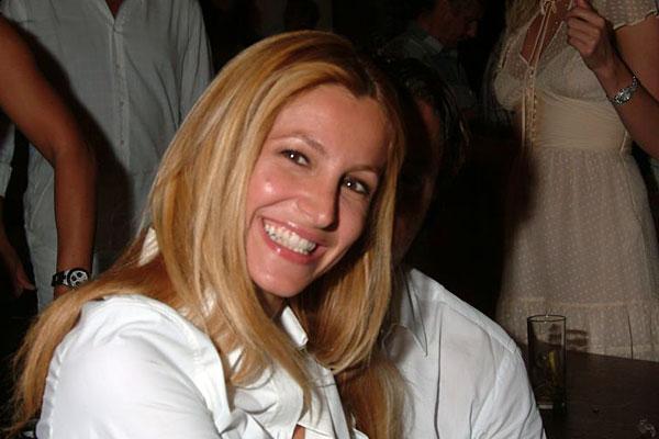 Guerra in casa Rai, Magalli attacca Adriana Volpe, lavora da 20 anni grazie ad una persona