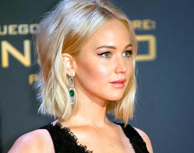 Jennifer Lawrence si lamenta troppi ammiratori, ci sono 10 mila uomini che dormono sotto casa