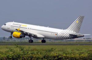 Odissea per 100 passeggeri a bordo del volo parigi bari l for Cambio orario volo da parte della compagnia
