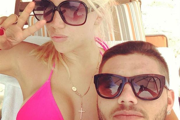 Wanda Nara super esplosiva in vacanza a Miami con Mauro Icardi