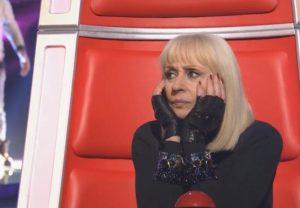 Raffaella Carrà gaffe clamorosa a The Voice, Bob Dylan è morto 35 anni, la corregge un concorrente