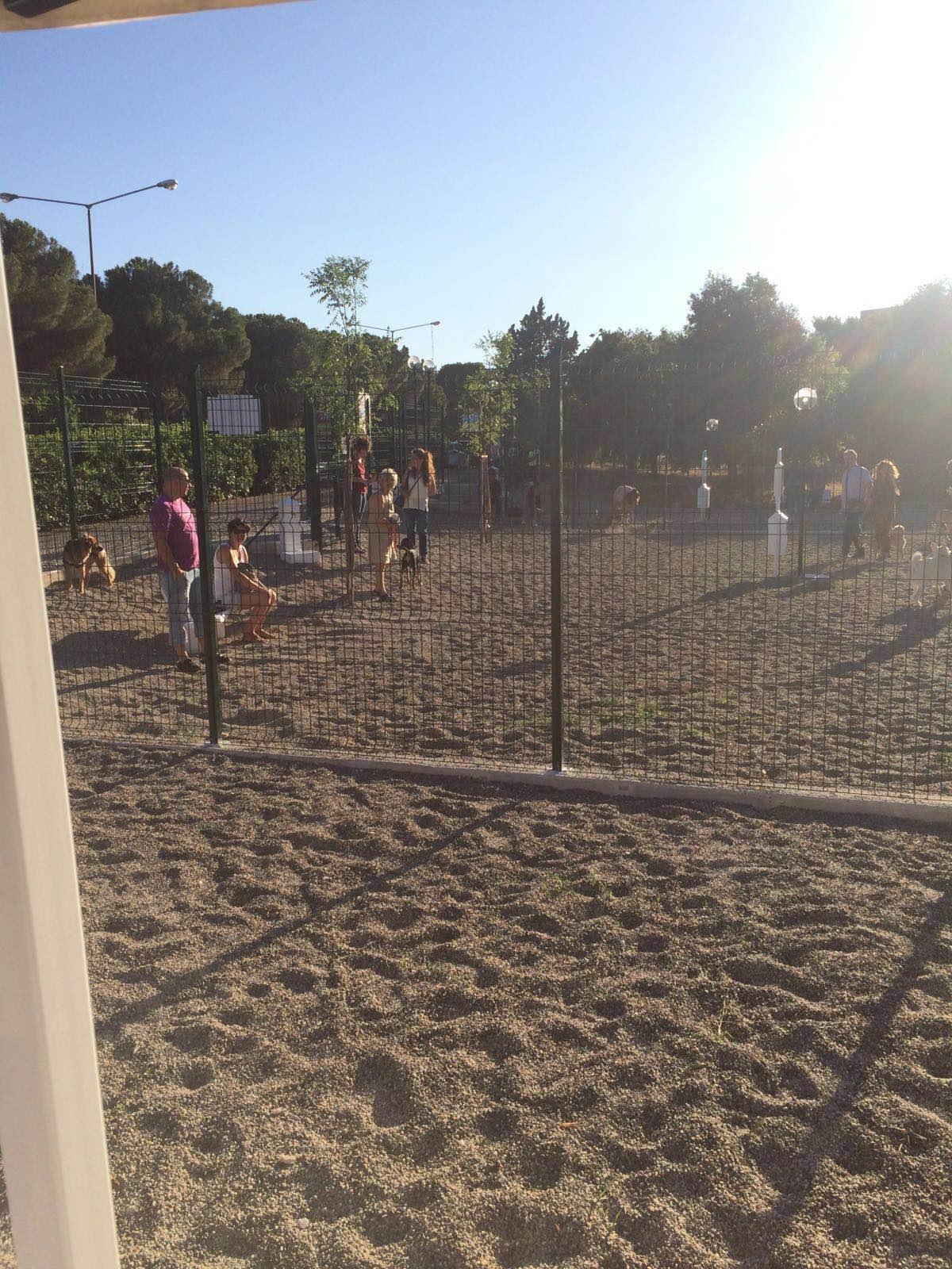 Bari, inaugurata a Poggiofranco la nuova area per gli amici a 4 zampe