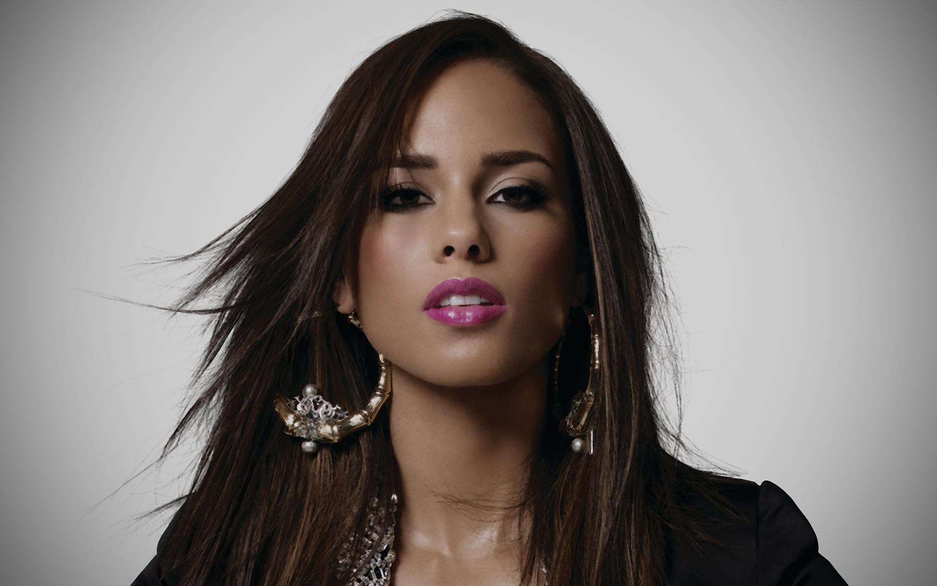 Alicia Keys la splendida e sexy cantante sempre al naturale mai più make-up