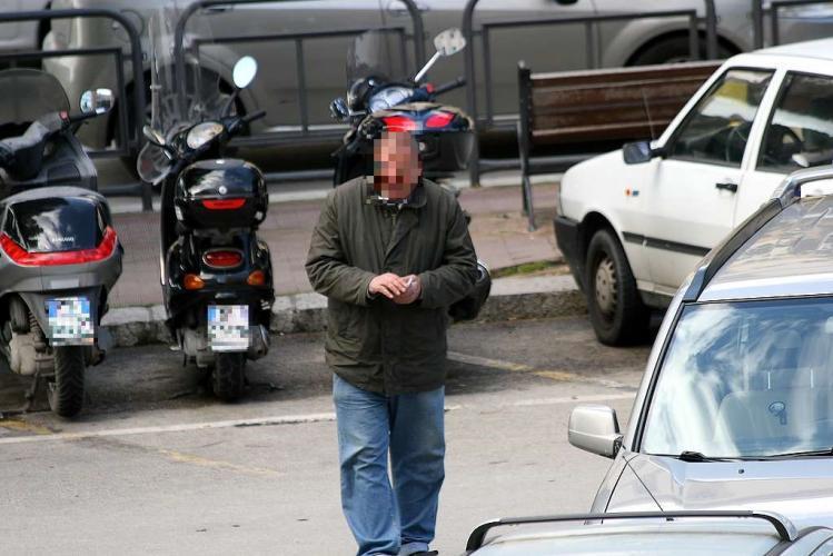Bari Stadio della Vittoria, picchia con calci e pugni vigili urbani, parcheggiatore abusivo arrestato